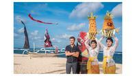 Gaya Tom Holland Memakai Piyama Saat Promosi Film Spider-Man di Bali (sumber:beautifulballad.org)