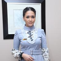 Maia saat hadir dalam peluncuran buku pendidikan seks untuk anak di Hotel Grand Mahakam, Jakarta selatan, Selasa (19/4/2016). (Andy Masela/Bintang.com)
