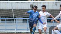 Laga uji coba antara Persib Bandung kontra Sriwijaya FC yang digelar di Stadion Gelora Bandung Lautan Api, Rabu (23/6/2021). (Bola.com/Muhammad Faqih)