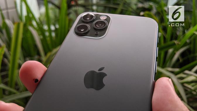 Tiga kamera belakang iPhone 11 Pro. Liputan6.com/Yuslianson