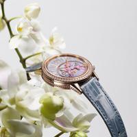 Rendez-Vous Sonatin, jam tangan dari Jaeger-LeCoultre hadir dalam 3 variasi terbaru yang lebih feminin. Sumber foto: PR.