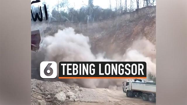 DETIK-DETIK TRUK TAMBANG NYARIS TERTIMBUN LONGSOR