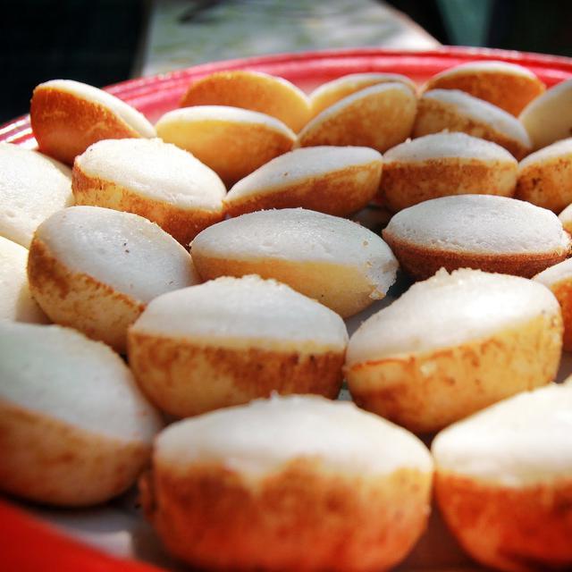 Cara Membuat Kue Apem Yang Empuk Dengan 7 Bahan Saja Lifestyle Fimela Com