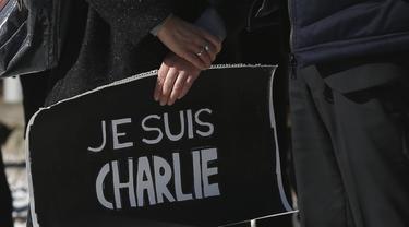 Pesepakbola Perancis Ikut Aksi Solidaritas Charlie Hebdo (udah)