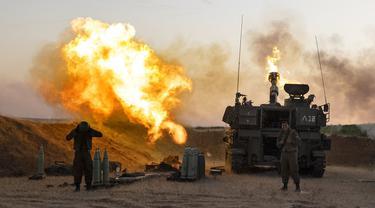 FOTO: Unit Artileri Israel Bombardir Jalur Gaza