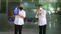 Kementerian Koperasi dan UKM menerima bantuan 1000 paket sembako dari Alumni Institut Teknologi Sepuluh Nopember (ITS) (dok: Athika)