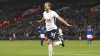 1. Harry Kane (Tottenham Hotspur) - 21 Gol (1 Penalti). (AP/John Walton)