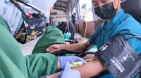 Junior Chamber International (JCI) Chapter East Java menggelar donor plasma konvalesen di gedung Srijaya Surabaya.