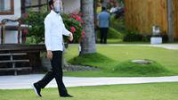 Presiden Jokowi saat mengunjungi Villa So Long dan Pantai So Long di Kabupaten Banyuwangi, Jawa Timur, Kamis (25/6/2020).(Biro Pers Sekretariat Presiden)