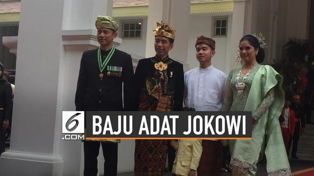 Presiden Joko Widodo tampil beda saat upacara bendera HUT Kemerdekaan RI ke-74.