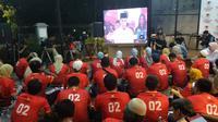 Puluhan relawan memadati media center Badan Pemenangan Nasional (BPN) Prabowo-Sandi di Jalan Sriwijaya, Jakarta Selatan untuk nonton bareng (nobar) debat Pilpres