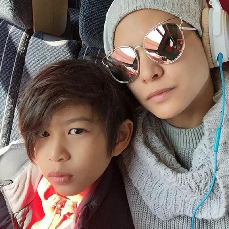 Rachel Maryam bersama anak, Muhammad Kale Mata Angin. (Instagram)