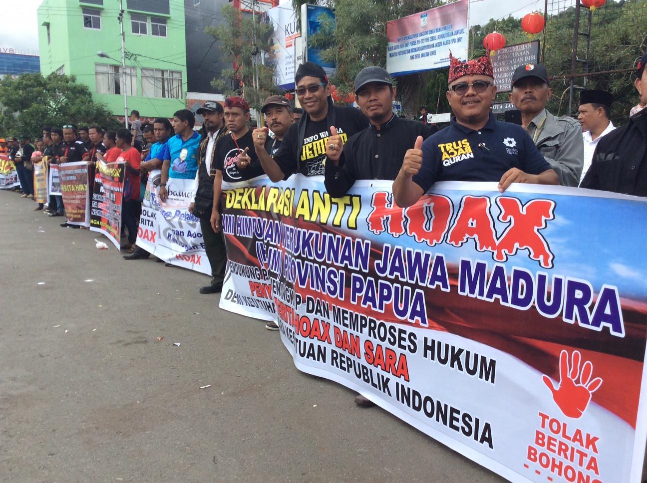 Paguyuban di Papua tolak hoax. (Liputan6.com / Katharina Janur)
