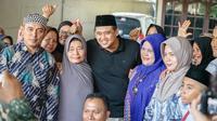 Menantu Presiden Joko Widodo atau Jokowi tersebut diharapkan bisa memimpin Ibu Kota Provinsi Sumatera Utara (Sumut) dengan kepedulian, terutama terhadap kaum ibu-ibu. Harapan disampaikan saat Bobby bersilaturahmi dengan keluarga besar Persaudaraan Dalihan Natolu di Jalan Karya Bakti, Medan Tembung.