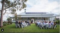 Tidak melulu di gedung, kamu juga bisa mengadakan pernikahanmu di rumah. (dok. Instagram @huntervalleyboutiquewedding/https://www.instagram.com/p/BpDCBoOhG8g/Esther Novita Inochi)