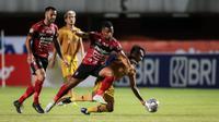 Tidak ada tambahan gol yang tercipta sampai wasit meniup peluit panjang. Bhayangkara kembali ke puncak klasemen sementara dengan 19 poin, sedangkan Bali United menduduki peringkat keenam mengoleksi 12 angka. (Bola.com/Bagaskara Lazuardi)