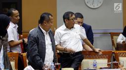 Menteri Hukum dan HAM Yasonna Laoly bersiap mengikuti rapat kerja dengan Komisi III DPR, di Kompleks Parlemen Senayan, Jakarta, Kamis (13/6). Raker membahas pendahuluan RKA-KL dan Rencana Kerja Pemerintah (RKP) Kementerian Hukum dan HAM tahun 2020. (Liputan6.com/Johan Tallo)