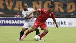 Gelandang Persija Jakarta, Bruno Matos, mengontrol bola saat melawan TIRA Persikabo pada laga Piala Indonesia di Stadion Patriot, Bekasi, Kamis (21/2). Persija menang 2-0 atas TIRA Persikabo. (Bola.com/Yoppy Renato)