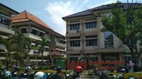 IAIN Syekh Nurjati Cirebon memutuskan untuk melaksanakan perkuliahan secara online selama dua minggu sebagai respon terhadap pandemi covid-19. Foto (Liputan6.com / Panji Prayitno)