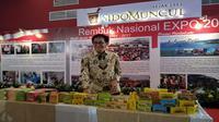 Direktur PT Sido Muncul Irwan Hidayat di stand Sido Muncul di JIExpo Kemayoran, Jakarta.(Liputan6.com/Septian Deny)