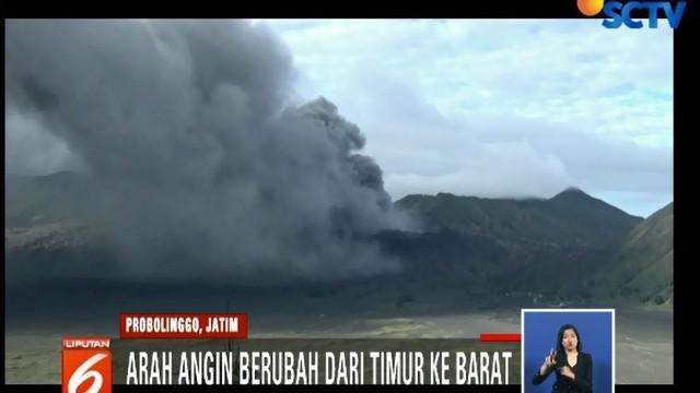 Perubahan arah angin inilah yang membuat hujan abu vulkanik mengancam wilayah lain, seperti Pasuruan dan Malang.