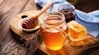 Ternyata, madu memiliki manfaat tersembunyi untuk ritual kecantikan Anda. Penasaran? (iStockphoto)