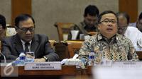 Gubernur BI,  Agus D.W. Martowardojo (kiri) dan Menkeu Bambang Brodjonegoro saat menghadiri Rapat Kerja dengan Komisi XI DPR di Kompleks Parlemen Senayan, Jakarta, Kamis (14/7). (Liputan6.com/Johan Tallo)