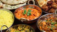 Ada beberapa kemiripan cita rasa masakan Indonesia dan masakan India. Penggunaan rempah-rempah antara lain.