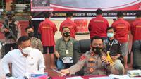 Kapolda Sumut, Irjen Pol RZ Panca Putra Simanjuntak, dalam konferensi pers di Mapolda Sumut, mengatakan, 5 tersangka masing-masing PC, Bisnis Manager Kimia Farma, beserta 4 pegawainya, DP, SP, MR, dan RN
