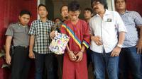 Yuni, penjambret nasi bungkus ditangkap petugas Polsek IT 1 Palembang (Liputan6.com / Nefri Inge)