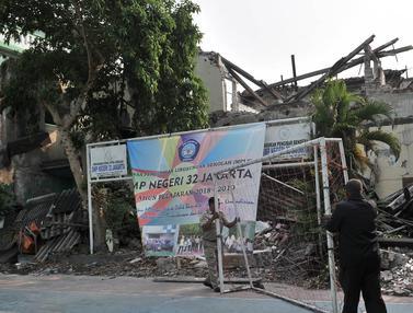 8 Bulan Ambruk, Bangunan SMPN 32 di Biarkan Terbengkalai