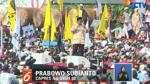Kehadiran Prabowo-Sandi bersama pimpinan parta politik pendukung disambut antusias oleh massa yang hadir, baik yang berada di lapangan maupun di tribun GBK.