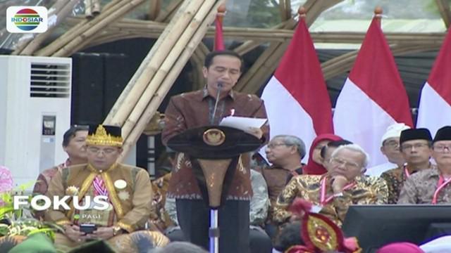 Presiden Jokowi berpuisi di acara Kongres Kebudayaan Indonesia 2018.