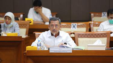 Direktur Jenderal Perlindungan dan Jaminan Sosial Kementerian Sosial Pepen Nazaruddin pada Rapat Dengar Pendapat (RDP) dengan Komisi VIII DPR RI di Gedung Parlemen Jakarta.