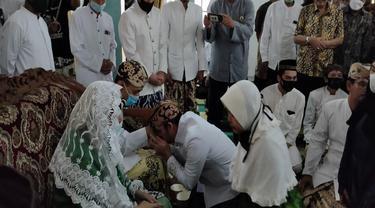 Suasana Khidmat Tradisi Halal Bihalal Keraton Kanoman Cirebon