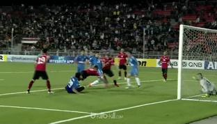 Altyn Asyr melaju ke semifinal Piala AFC Inter-Zone seusai menekuk Istiqlol dalam yang berlangsung seru. Gol-gol pembuka dari Furk...