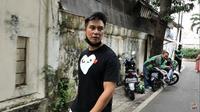 Baim Wong dianggap tidak sopan karena memarahi seorang kakek berusia 77 tahun yang mendekati dirinya (Kapanlagi.com)