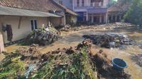 Puluhan rumah di Desa Panyadap, Kecamatan Solokan Jeruk, Kabupaten Bandung, terendam banjir pada Selasa (1/6/2021) malam. (Foto: Istimewa)