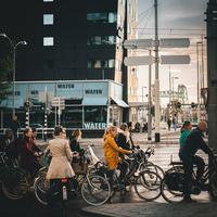 Sepeda menjadi alat transportasi yang aman dan dianjurkan untuk digunakan di masa new normal. Simak tips memilih sepeda yang nyaman dan tepat. (Foto: Unsplash.com)