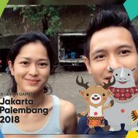 Meski berada dilokasi syuting, Lian Firman dan Prisia Nasution tetap beri dukungan untuk atlet pencak silat indonesia.