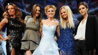 Spice Girls yang terdiri dari Mel B, Mel C, Gerri, Emma dan Victoria merayakan ulang tahun yang ke-20 (Time)