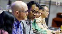 Kepala Kebijakan Publik Facebook Indonesia, Ruben Hattari saat Rapat Dengar Pendapat dengan Komisi I DPR di Jakarta, Selasa (17/4). Ini kali kedua Facebook dipanggil DPR terkait dengan kebocoran data pengguna Facebook Indonesia. (Liputan6.com/Johan Tallo)