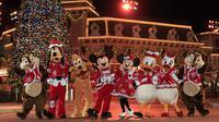 Jangan lewatkan kemeriahan perayaan Natal yang sesungguhnya hanya di Hong Kong Disneyland. (Foto: Disneyland.dok)