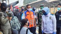 Bupati Bogor Ade Yasin saat inspeksi stasiun saat PSBB. (Liputan6.com/Achmad Sudarno)