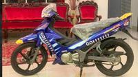 Motor Bebek Jadul Keluaran 2003 Ini Laku Rp300 Juta. (Foto: MOHAMAD AZEHAR)