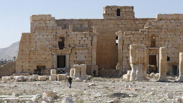 Sebagian pemandangan Kuil Bel yang rusak di kota kuno Palmyra, Provinsi Homs, Suriah, 7 Februari 2021. Selain Palmyra dan Aleppo, kota kuno Damaskus dan Bosra juga mengalami kerusakan. (LOUAI BESHARA/AFP)