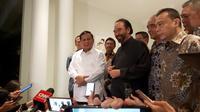 Prabowo Subianto bertemu Surya Paloh di kediamannya, Jakarta. (Merdeka.com)