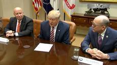 Adakan pertemuan dengan dewan, Trump sebut malah hina program kesehatan Obama. Warga Indian Amerika tolak pembangunan pipa minyak di daerahnya.