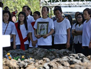 Pemakaman Marta Djumani, Korban Bom di Surabaya