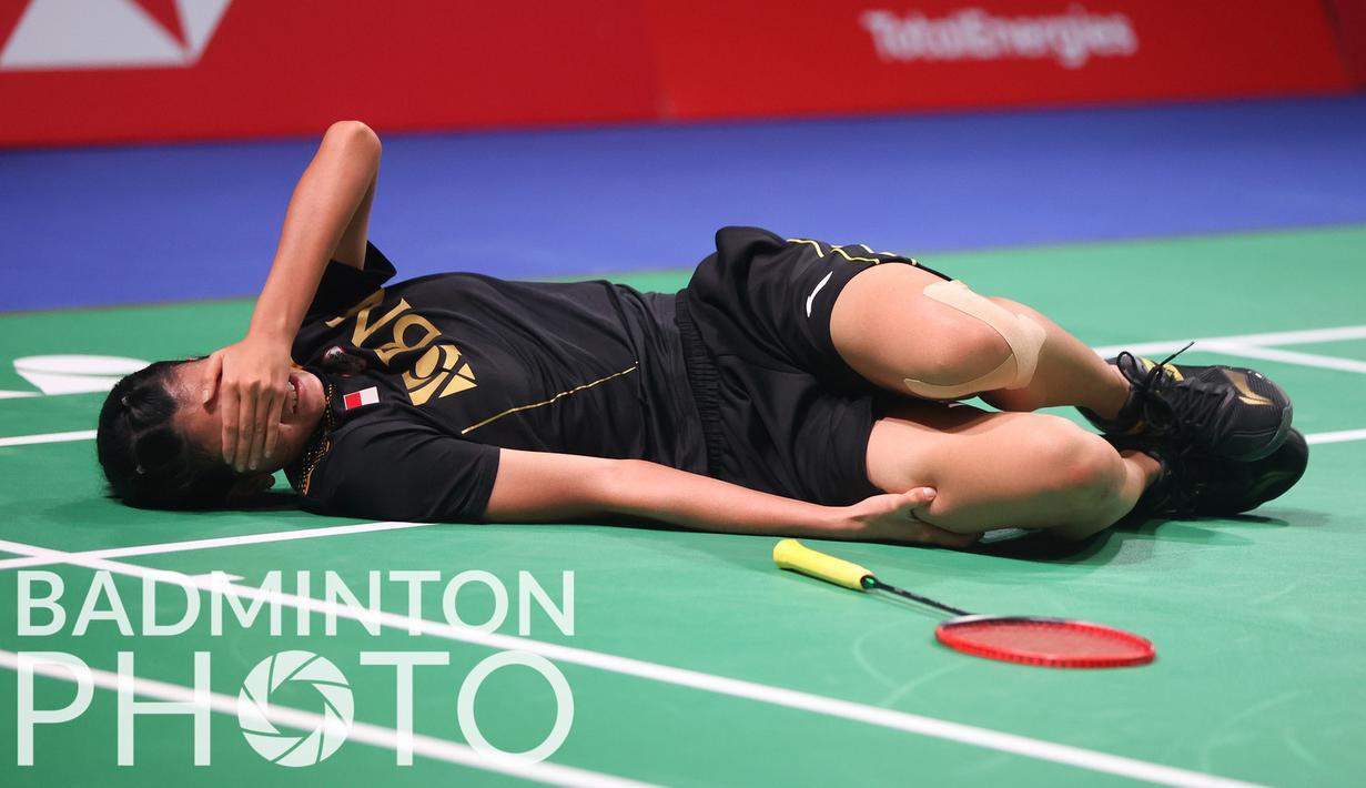 Pebulu tangkis tunggal putri Indonesia, Nandini Putri harus tunduk dari wakil Prancis, Yaelle Hoyaux di matchday kedua fase Grup A Piala Uber 2020 karena cedera. (Badminton Photo/Yves Lacroix)